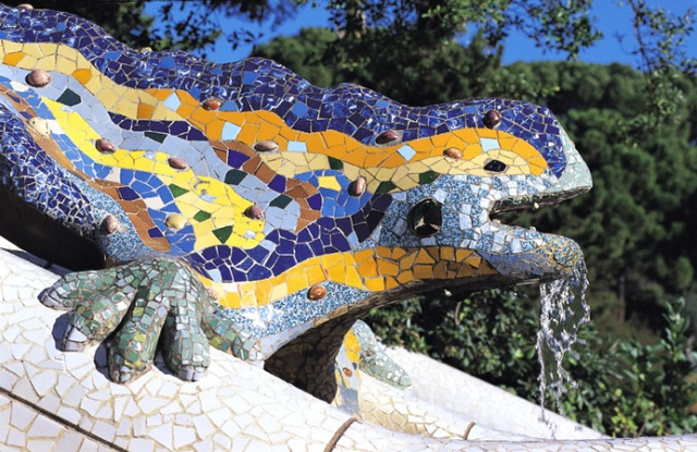 Drac-Parc-Guell-Barcelona2